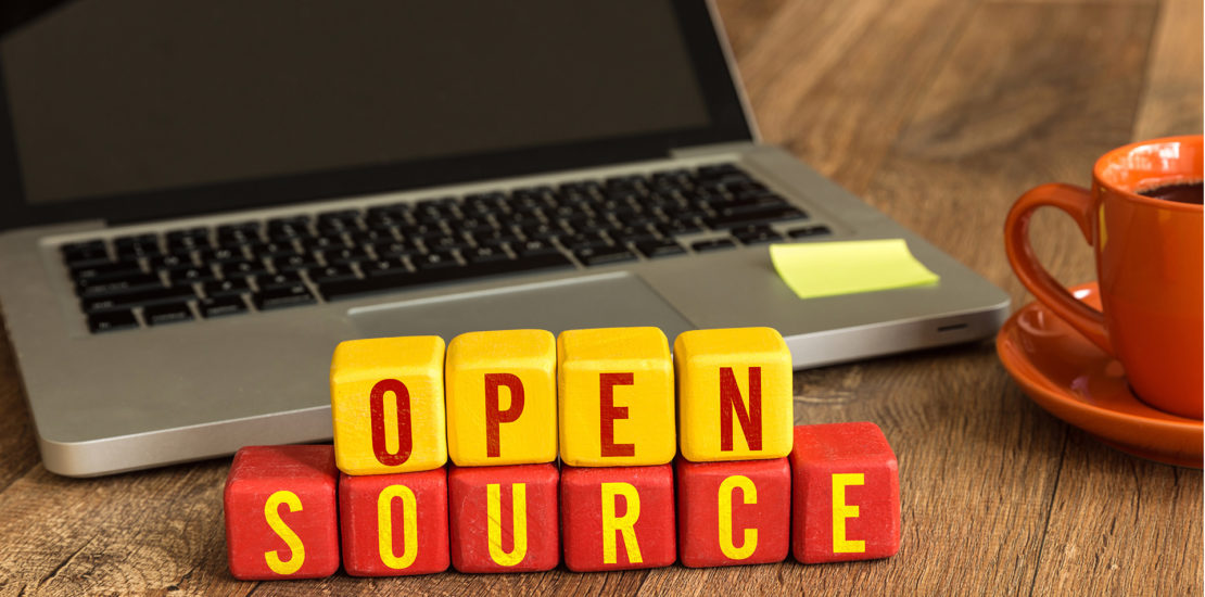 Imagem notebook com escrita open source