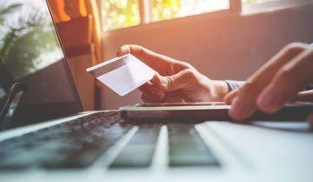 Checkout e-commerce com cartão crédito